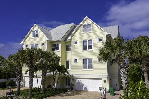 With Garage 3 Or More Homes For Sale In Cocoa Beach Fl Realtor Com
