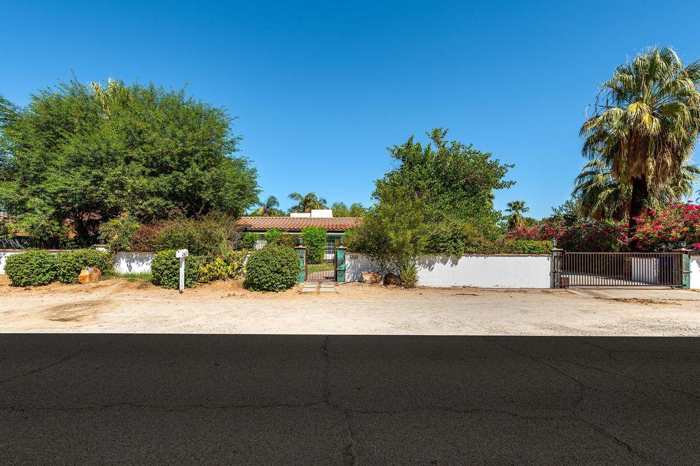 1044 Tamarisk Rd Palm Springs, CA 92262