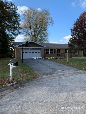 Photo of 10644 Penn Dr, Indianapolis, IN 46280