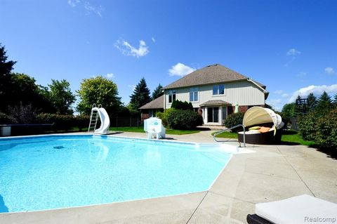 Swell 57066 Willow Ridge Blvd Washington Township Mi 48094 Home Interior And Landscaping Fragforummapetitesourisinfo