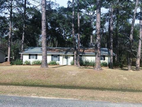 Photo of 2317 Pine Needle Dr N, Valdosta, GA 31601