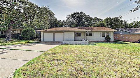 Photo of 3821 Bonnie Dr, Fort Worth, TX 76116