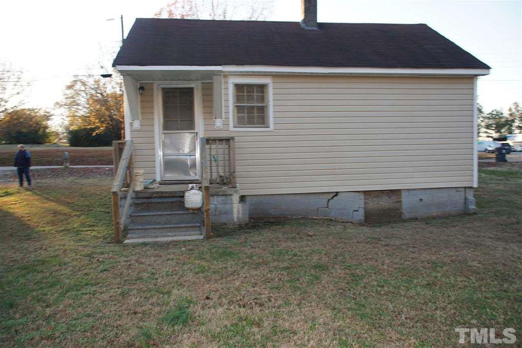 134 Ramsey St, Henderson, NC 27536