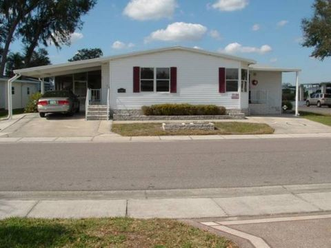 6143 Presidential Cir Zephyrhills FL 33540 Brokered By Mobile Home