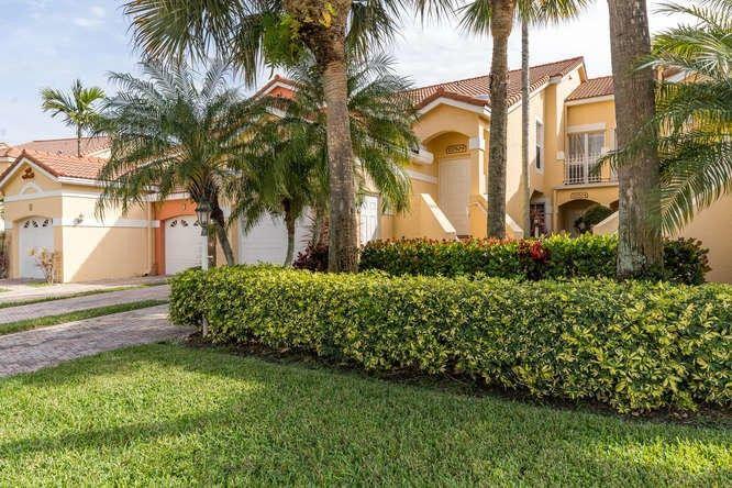 17050 Emile St Apt 9, Boca Raton, FL 33487