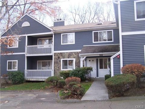 301 Fairmount Dr Unit B, Monroe, CT 06468