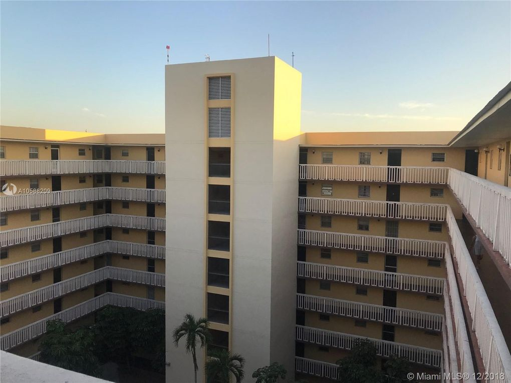 15600 Nw 7th Ave Apt 814, Miami, FL 33169