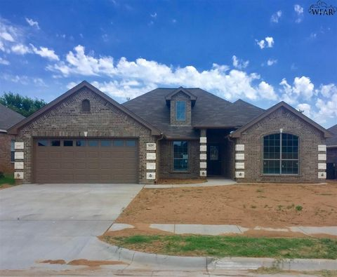 Photo of 5123 Reyes St, Wichita Falls, TX 76306