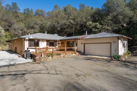 Photo of 761 N Circle Dr, Diamond Springs, CA 95619