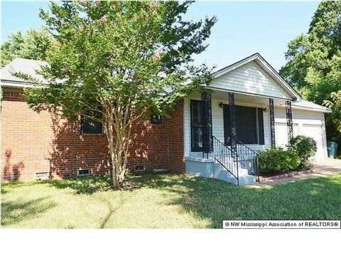 9031 Whitworth St, Southaven, MS 38671