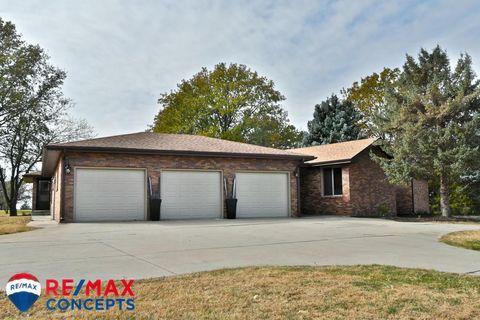 1701 W Pleasant Hill Rd, Lincoln, NE 68523