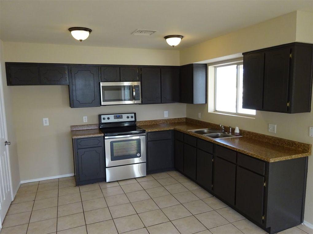 748 S Vaughn Ave, Yuma, AZ 85364