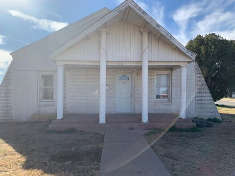 116 Austin St, Levelland, TX 79336