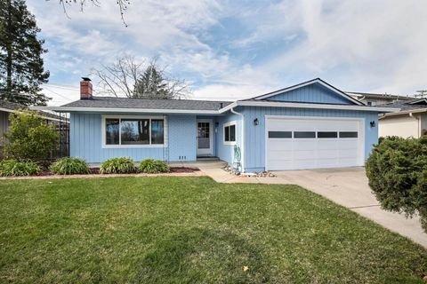 Photo of 897 Brentwood Dr, San Jose, CA 95129