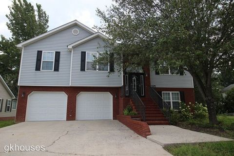 Photo of 7126 Tyner Crossing Dr, Chattanooga, TN 37421