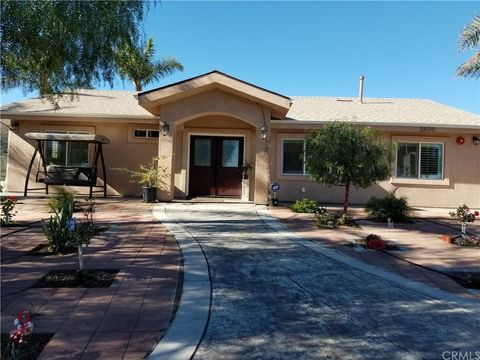28100 Stonehouse Rd, Lake Elsinore, CA 92532