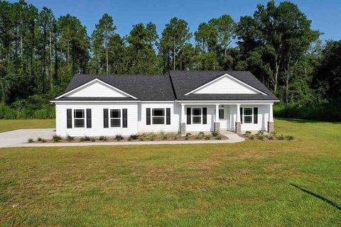Photo of 8 Parkside Cir, Crawfordville, FL 32327