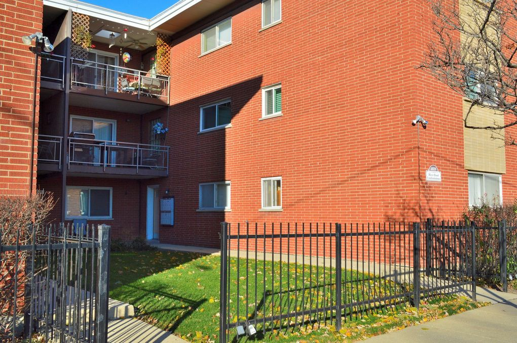 4618 N River Rd Unit 3E Schiller Park, IL 60176