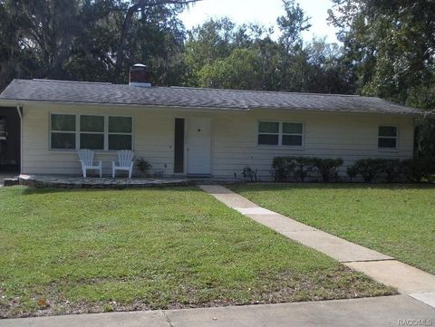 1620 Nw 19th St, Crystal River, FL 34428