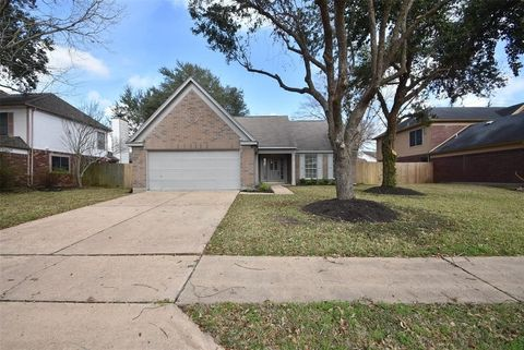 Photo of 5401 Spring Circle Dr, Pearland, TX 77584