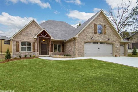 Photo of 5690 Grand Teton Ln, Conway, AR 72034