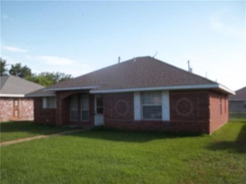 Photo of 116 Amy Dr, Crandall, TX 75114