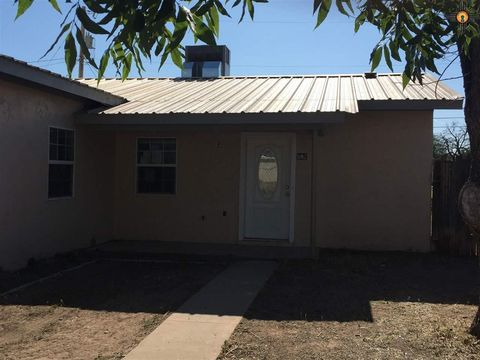 907 S 11th St, Artesia, NM 88210