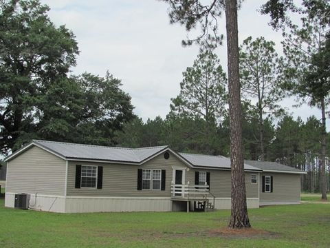 594 Old Graham Rd Hazlehurst GA 31539