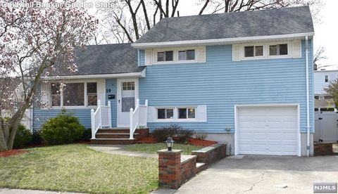 Photo of 19 Eldorado Ct, Rochelle Park, NJ 07662
