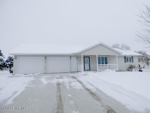 Photo of 721 Center St, Caledonia, MN 55921
