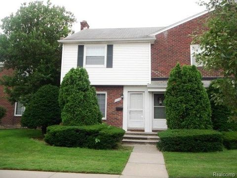 23124 Marter Rd, Saint Clair Shores, MI 48080