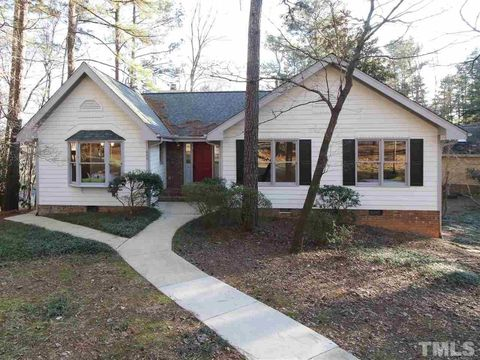 305 Westbrook Dr, Carrboro, NC 27510