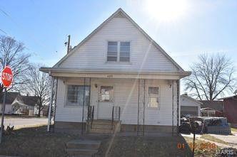 Photo of 490 Hanlon St, Canton, IL 61520