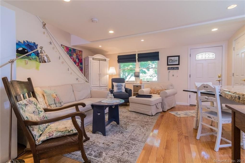 24 Maple Ave Old Saybrook CT 06475