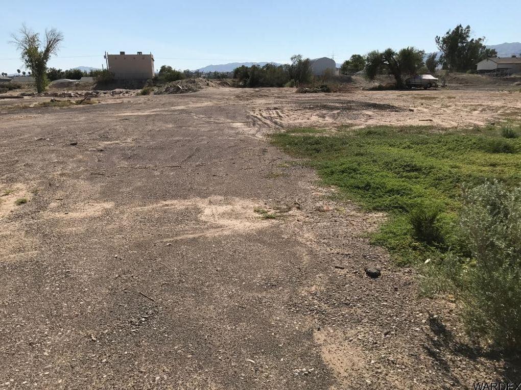 1316 E Dike Rd, Mohave Valley, AZ 86440