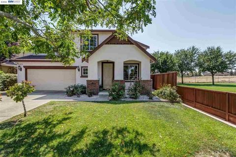 372 Olive St, Brentwood, CA 94513