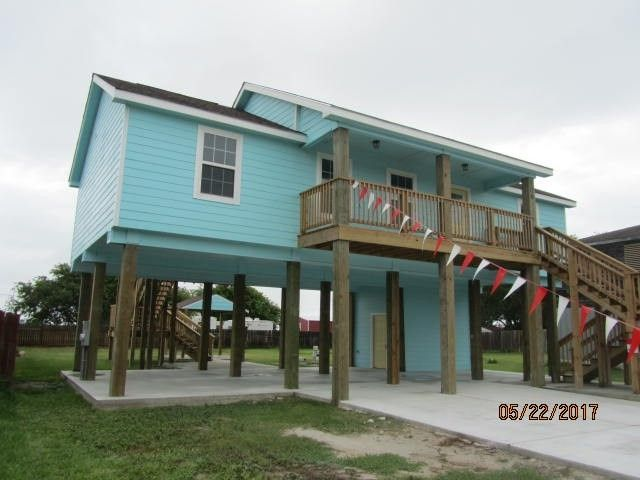 106 Port Ave Rockport Tx 78382 Realtor Beach House The Best Beaches In World
