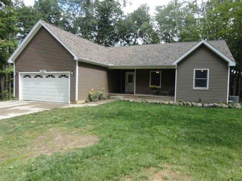 13889 Black Bear Trl, Holly, MI 48442