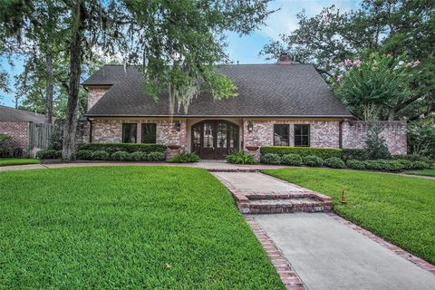 Photo of 10339 Briar Dr, Houston, TX 77042
