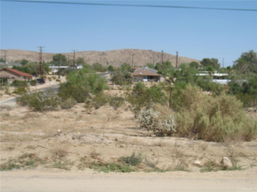 Plaza Rd, Joshua Tree, CA 92252