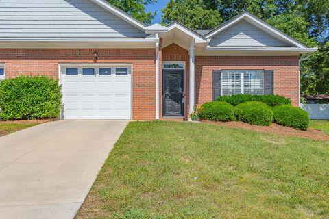 Photo of 1029 Grey Oaks Ln, Chattanooga, TN 37421