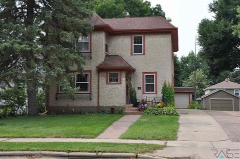 Photo of 1215 S Phillips Ave, Sioux Falls, SD 57105