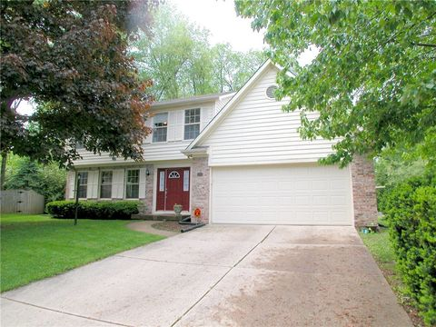 3026 Sunmeadow Ct, Indianapolis, IN 46228