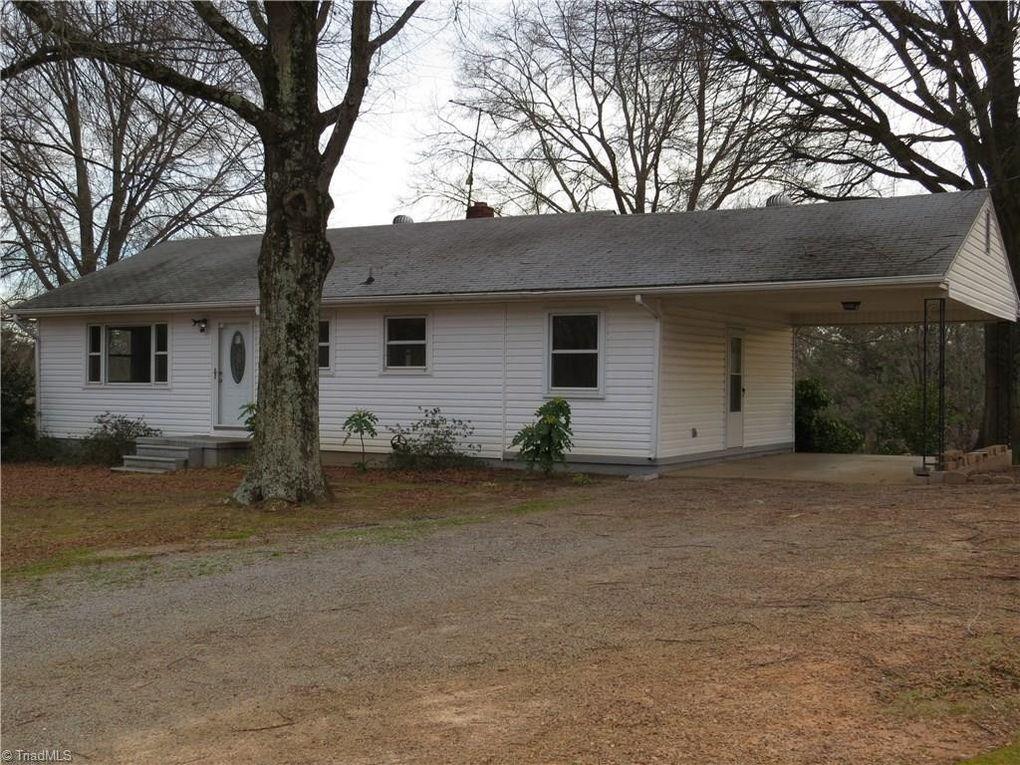 839 Walker St, Reidsville, NC 27320
