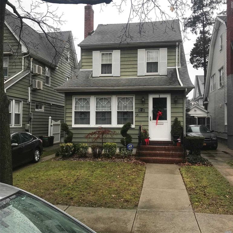 87-50 98th St Woodhaven, NY 11421