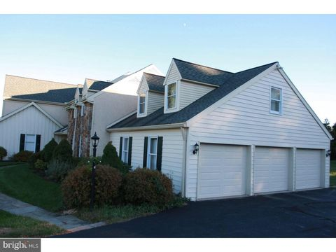 Photo of 2 Spring Meadow Dr, Malvern, PA 19355