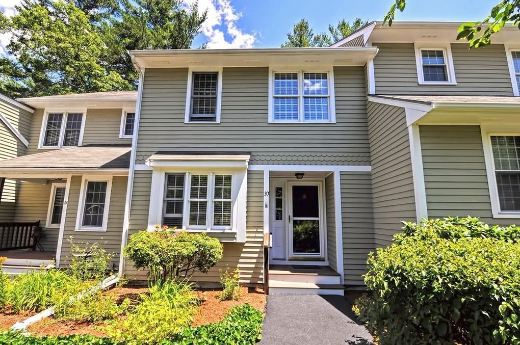 30 Laurelwood Dr Hopedale MA 01747