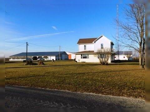1724 E 2700 Rd N, Piper City, IL 60959