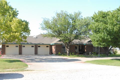 Photo of 3675 Deere Dr, Hereford, TX 79045