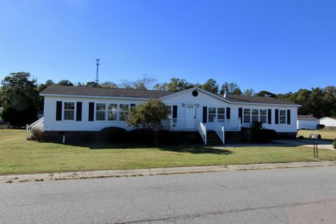 Photo of 312 Commodore Dr, Rocky Mount, NC 27801